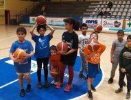 A canestro con Csi e Basket Fanum. Iniziati i corsi di avviamento al Palas Allende