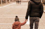 Coronavirus: sì alla camminata genitore-figli. Jogging ammesso