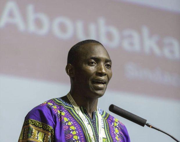 """Il premio """"Ho l'Africa nel cuore"""" a Aboubakar Soumahoro"""
