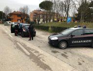 Le rubano l'auto mentre fa spesa, ladro arrestato dai carabinieri