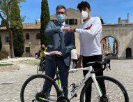 """E' di Fano l'unico marchigiano al Giro d'Italia. Baldelli: """"Le Marche tifano Giovanni Carboni"""""""