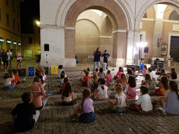 Fano, Giovedì sotto le stelle: il 26 agosto laboratori e giochi nel segno della solidarietà
